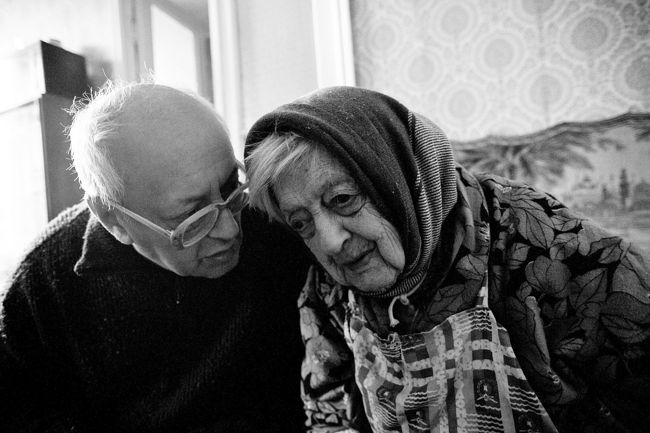 "Arik Shraga. ""Joint"" Families: The Stories of Love. Victor and his mother Sheiva"