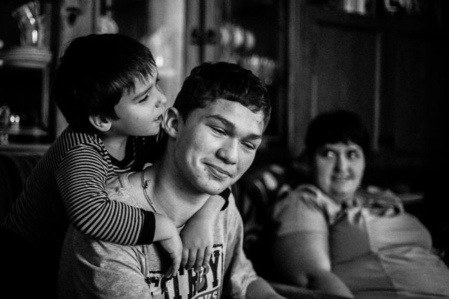 "Arik Shraga. ""Joint"" Families: The Stories of Love. Minsk. Andrey and Maxim"